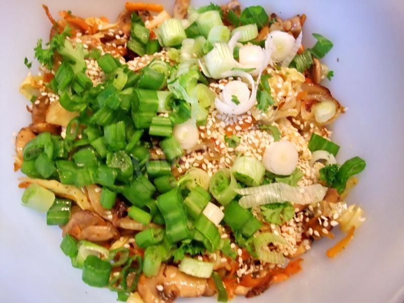 Теплый салат свежей капусты: очень вкусный рецепт с фото