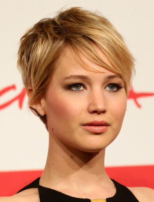 Стрижки на короткие волосы: пикси