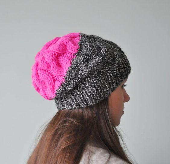 Вязаные шапки 2017-2018: серая с розовым