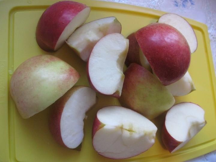 Шарлотка с яблоками пошаговый рецепт с фото (1)