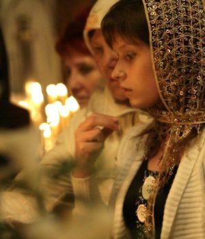 Православные в храме