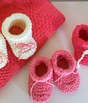 Красивые вязаные вещи для малышей