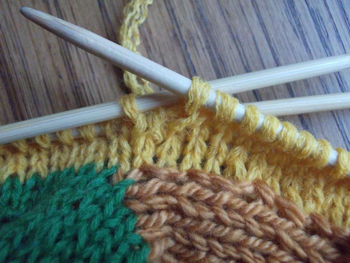 15-big1-700x525 Как вязать носки на 5 спицах начинающим