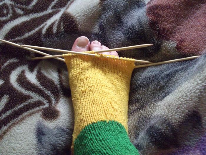 Как вязать носки спицами: пошаговый мастер класс 17