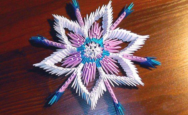 Объемная снежинка оригами из бумаги