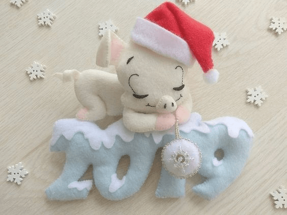 Символ 2019 года желтой свиньи своими руками: санта
