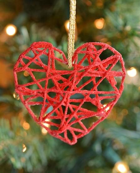Новогодняя игрушка на елку в детский сад: сердечко
