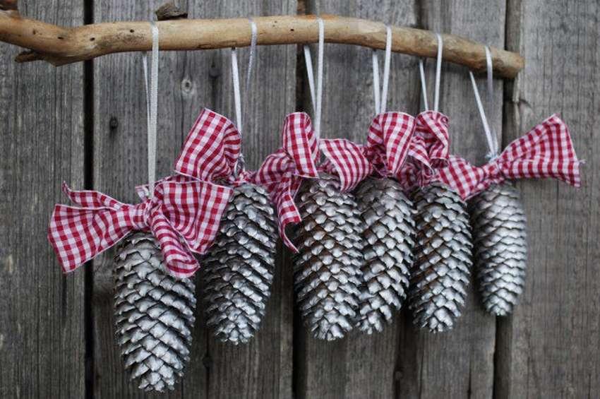 Игрушки на елку своими руками из подручных средств: фото 7
