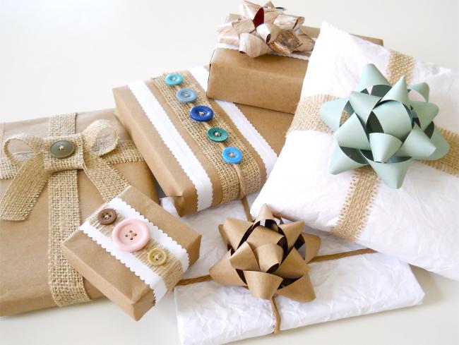 Как упаковать подарок в подарочную бумагу: крафт-бумага