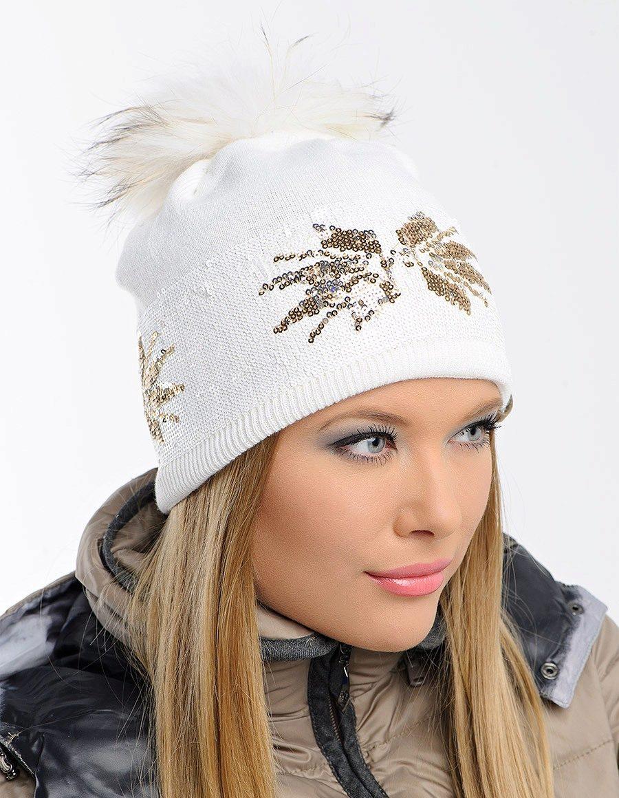 Декор на шапках 2020 фото 3