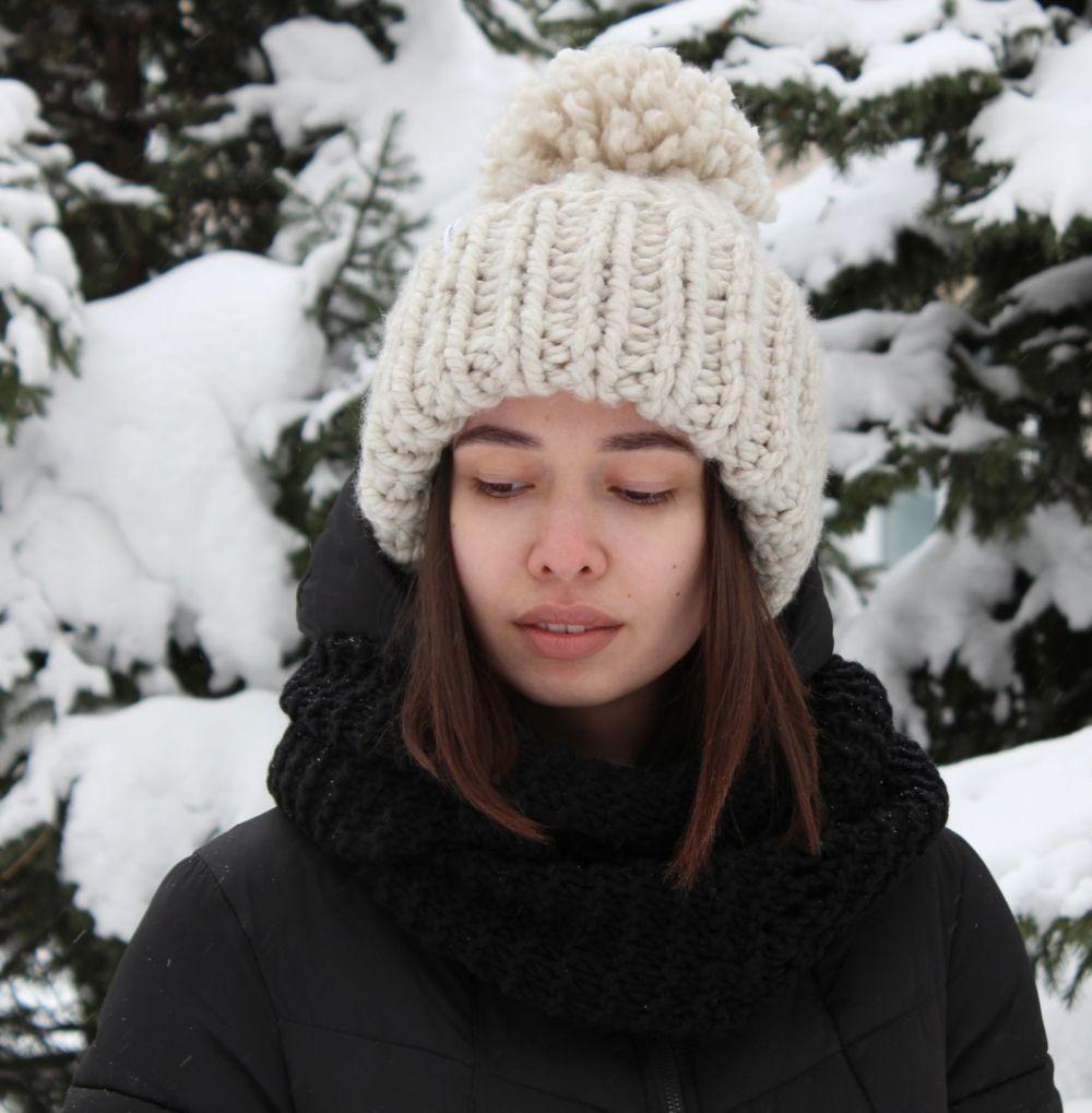 Крупная вязка в шапке фото 2